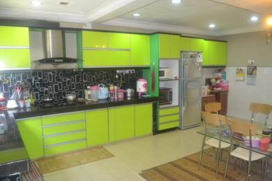 RENOVATED GATED Double Storey 22X75 Puchong