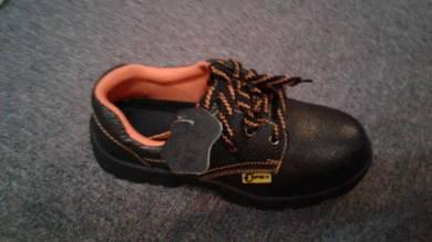Kasut keselamatan safety shoes
