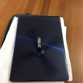 ASUS Zenbook 13 UX331UN Intel Core i5-8th Gen