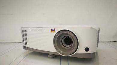 Projector lcd cinewa 3600lumen viewsonic branded