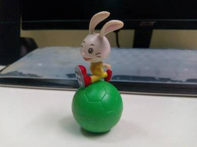 Figurine Tumbler Rabbit and Football