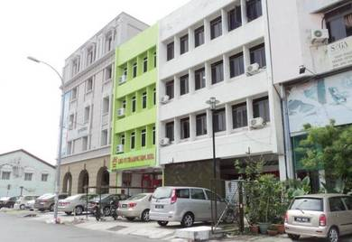 Georgetown, off Jalan Dato Keramat Shop House To Let