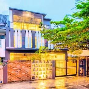 LIKE BRAND NEW HOUSE WITH FURNISHINGS 3 Storey Terrace UK Ampang