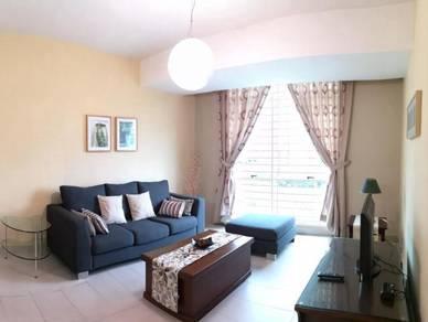 Tastefully furnished peak suites condo