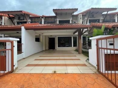 Double storey terrace intermediate alam sari