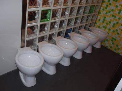 Ceramic toilet bowl / tandas