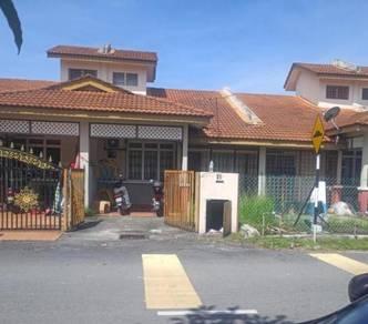 Single Story Terrace at Olak Lempit, Jalan Dengkil-Banting