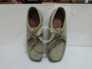 Clarks Walabes