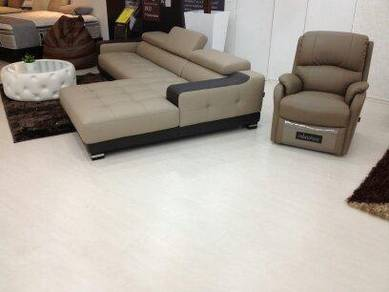 Laminate and vinyl flooring- (289)
