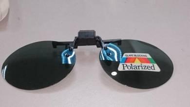 Polarized sunglass spec clip-on OVL201