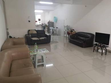 Bandar Botanic ARMAYA Klang 3 Storey Terrace House GOOD CONDITION