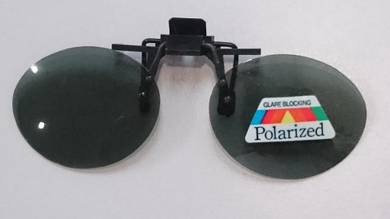 Polarized sunglass spec clip-onRND301