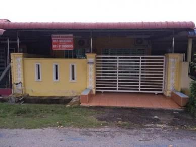 Khayra Homestay RPA Ayer Tawar, Perak