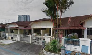 Taman Bukit Indah , Near Bus Stop