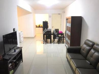 Immaculate fully furnished master ensuite room at De Centrum Residence