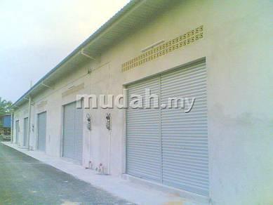 Kilang di Kampung Pendamar, Klang dekat Kesas