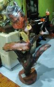 Lampu kayu chengal bunga tulip