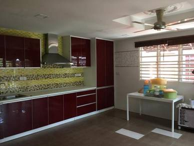 Double Storey CORNER House at Putra Heights Section 2 for SALE!!