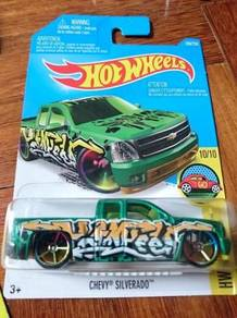Hotwheels Chevy Silverado art car green not Tomica