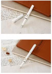 Elegant Fountain pen, white color