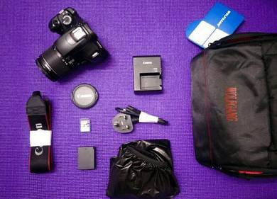 Canon 1100D with NEW bag and good condition