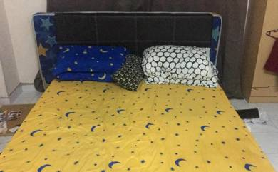 Moving Out SALE - Bed Frame + Mattress - Queen Sz