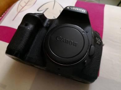Canon 7D DSLR Camera Body Only