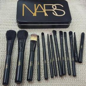 Nars brush 12 pcs tin
