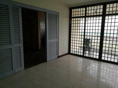 Tampin , Beverly Hills Condo for sale
