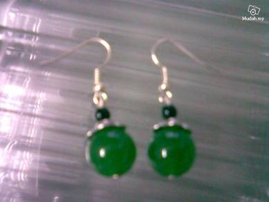 ABESB-G001 Black Bead Silver Green Jade Ear Hook
