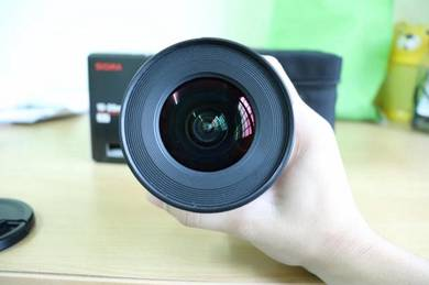 Sigma 10-20mm F4-5.6 EX DC wide angle lens (canon
