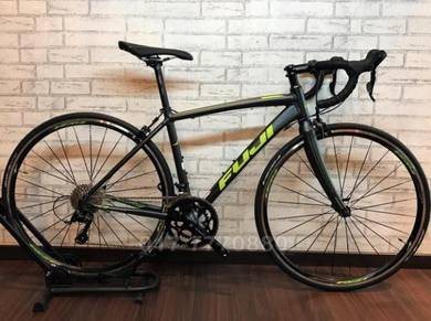 FUJI SPORTIF 18S SORA CARBON ROADBIKE BICYCLE Bike