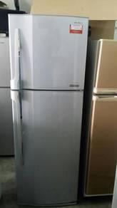 Refrigerator Fridge Ice Toshiba Freezer 2 Pintu