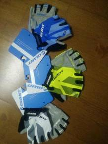 Giant G1013 Series Half Finger Cycling Gloves