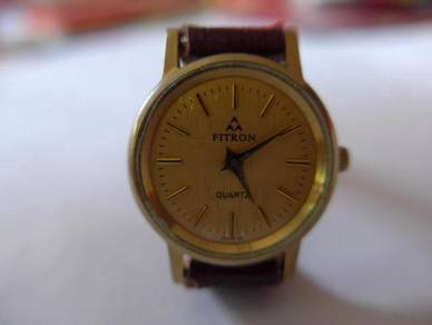 Fitron Quartz Small Gold Watch