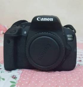Canon eos 700d boxed with kit lens
