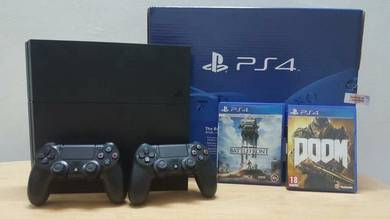 PS4 500GB + Extra Dual Shock Controller + 2 Games