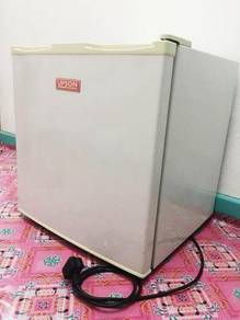 Mini Fridge (Peti Sejuk Mini)