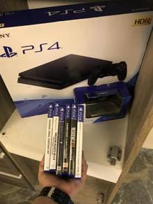Ps4 slim +2 controller +6games