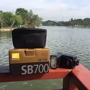 Speedlight Nikon SB700