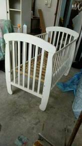 Baby cot solid sweet cherry