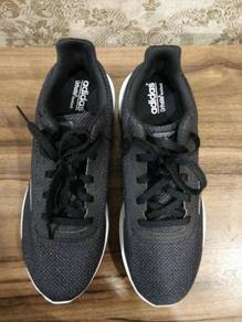 Adidas cloudfoam black size 8.5 (42.5)