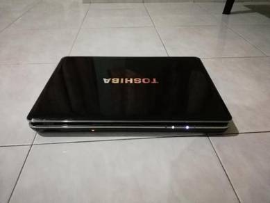 Toshiba Satellite M500 Series Intel Core i3 330M 2