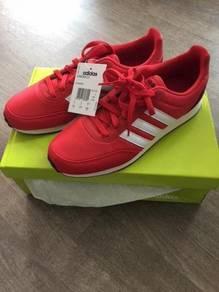 Adidas V Racer 2.0 Brand NEW in box UK9