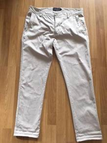 COTTON ON chino pants size 32