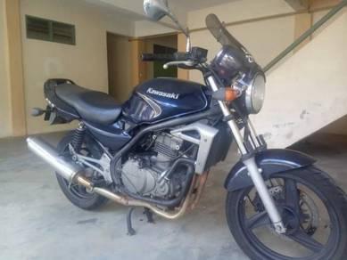Kawasaki ER500 2005