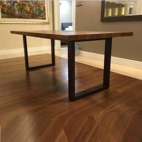 Teak dining table and dining chairs by casateak