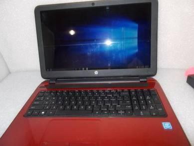 HP 15-f272wm 15.6� Laptop