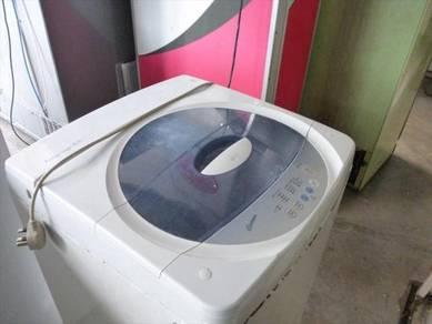 LG 6.6kg Washing Machine - terpakai