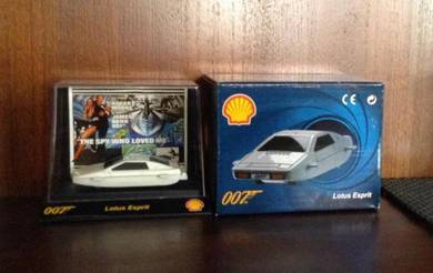 James Bond 007 Lotus Esprit Car Limited Edition